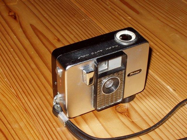 ハーフサイズカメラ | トイラボ...